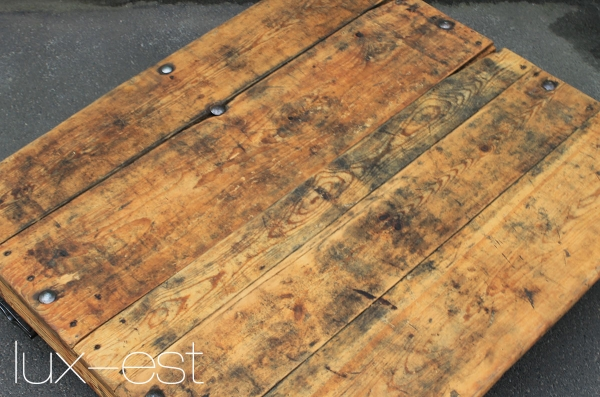 1 of 10 otto 39 s pallet truck design coffee table solid. Black Bedroom Furniture Sets. Home Design Ideas