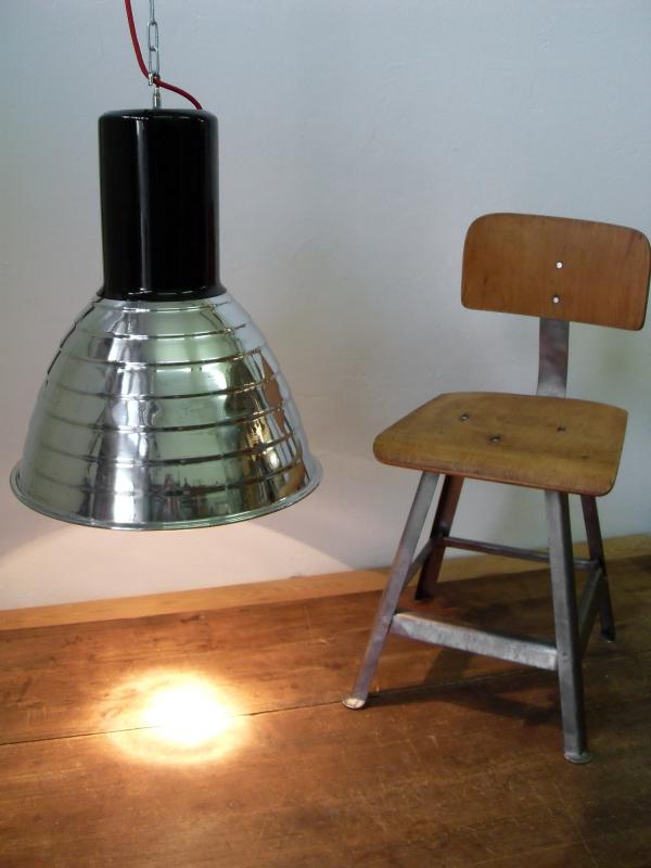 alte Bauhaus Industrielampen Vintage factory lamps France industrial lamps