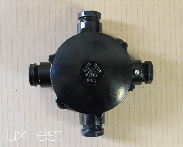 1 of 30 AKI 3 NEU Verteiler Abzweigdose Lagerware Bakelit Dreiarmig Industrie Instalacje i elektryka